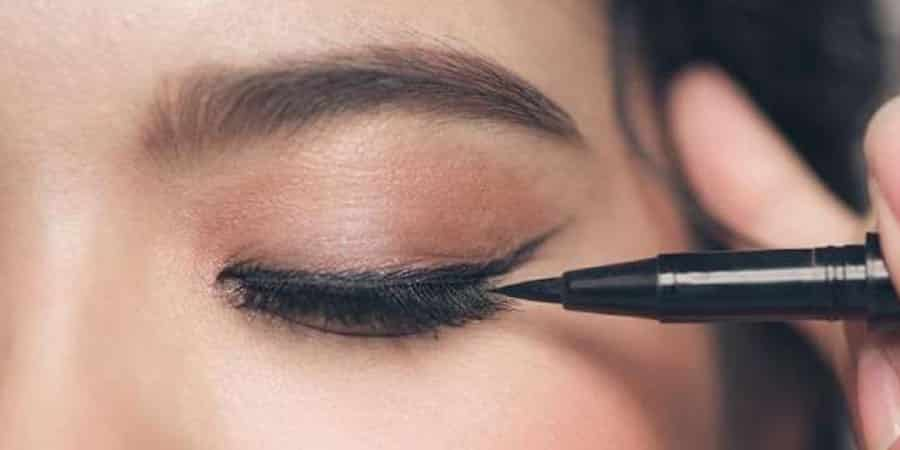 Eyeliner Tips And Tricks That Make Applying It So Easy